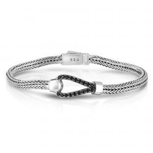 Woven Silver Hook Bracelet With Black Sapphires